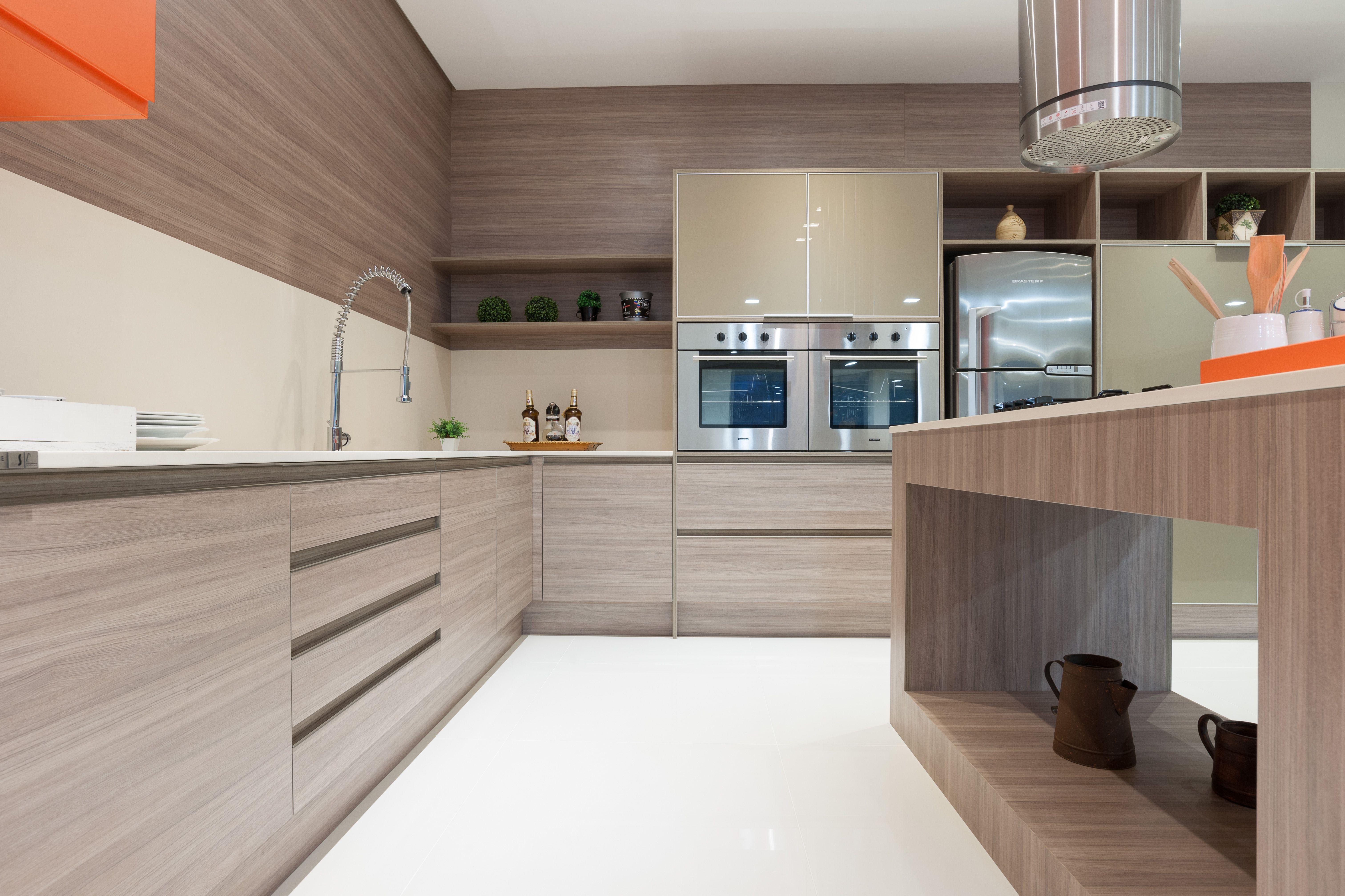 Um encanto de cozinha pede uma decoração equilibrada, muita praticidade e beleza de sobra.