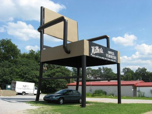 Gentil Worlds Largest Chair ~What Started Out As An Ad For A Furniture Store Is  Now The Biggest Attraction In Anniston, Alabama. At A Height Of 33 Feet, ...