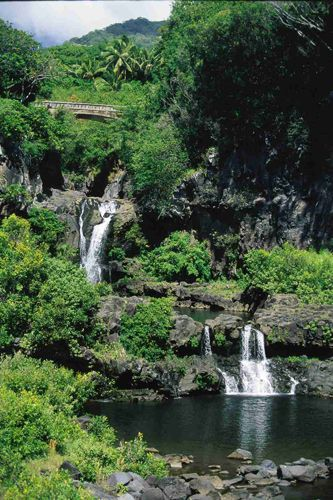 The Pools Of Oheo Hawai I I Ll Actually Be There Soon Http Www Hawaiiforvisitors Com Maui Attr Seven Sacred Pools Maui Road Trip Destinations Maui Travel