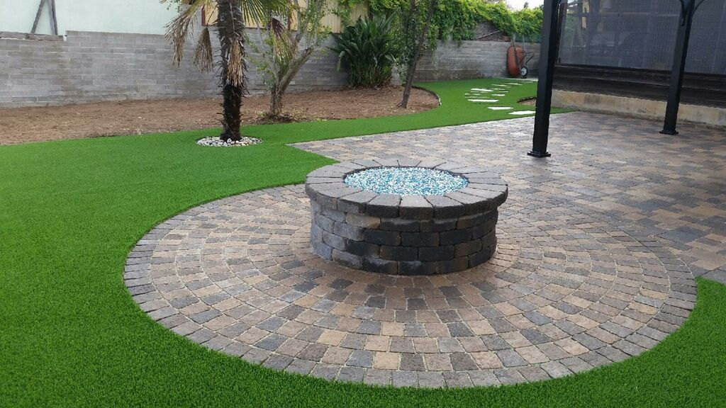 Pavers Turf Fire Pit And A Patio Cover Everything You Need For The Ultimate Backyard Artificial Grass Backyard Artificial Lawn Artificial Grass