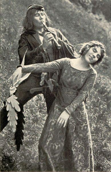 Lyda Salmonova in 'The Pied Piper of Hammelin'