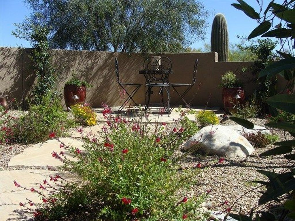 cute front yard courtyard landscaping