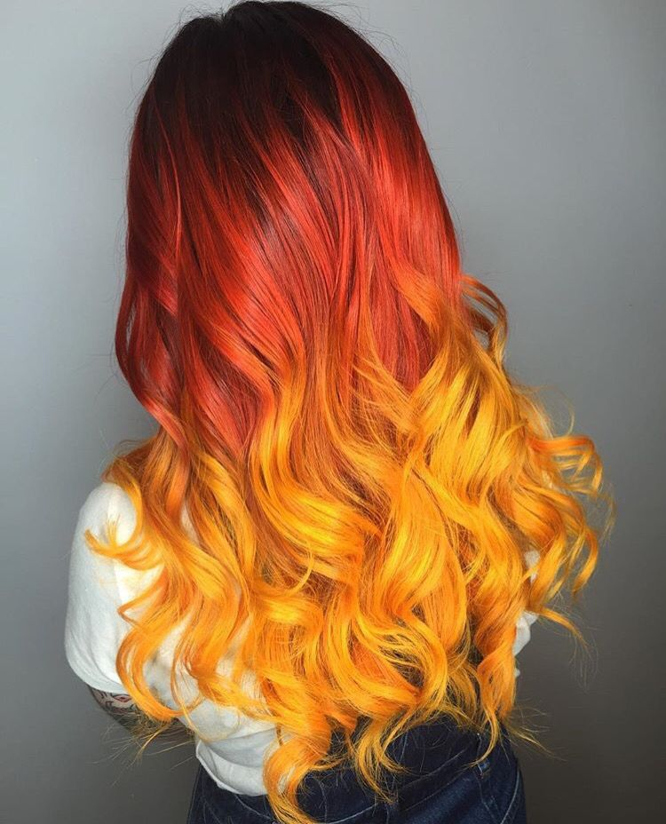 Pin By Stokrocia On Cheveux Colores Fire Hair Hair Styles Cool Hairstyles
