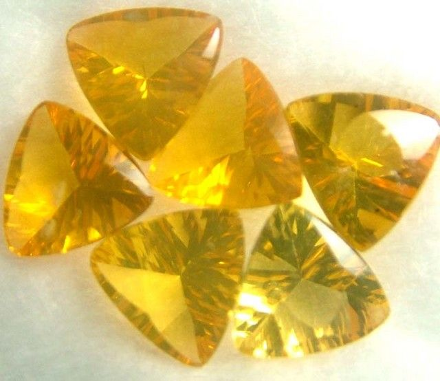 Opal (faceted) / Brazil