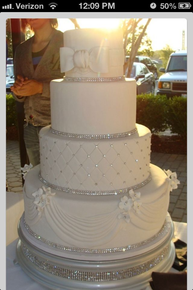 Wedding Cake Idea 2 LIKE THIS CAKE If This Is Your