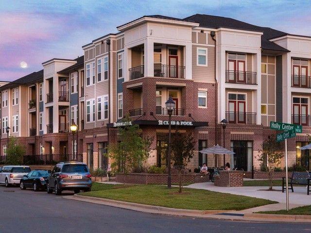 Holly Crest | Pet Friendly Apartments | Huntersville, NC