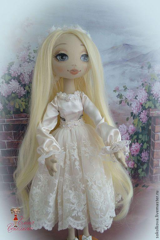 Купить кукла Сонечка с мишкой - кукла, кремовый, текстильная кукла, авторская кукла, коллекционная кукла