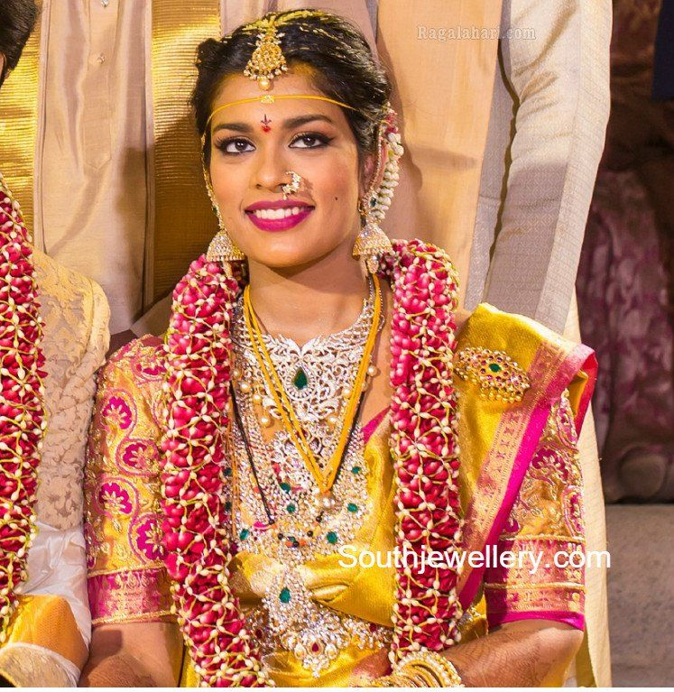 Chiranjeevi Younger Daughter Sreeja Got Married To Kalyan On Monday Sreeja Teamed Up Her Go Indian Bridal Fashion Wedding Blouse Designs Bridal Blouse Designs
