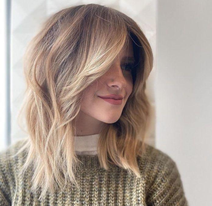 Tagli capelli medi 2020: lisci, scalati e mossi di ...