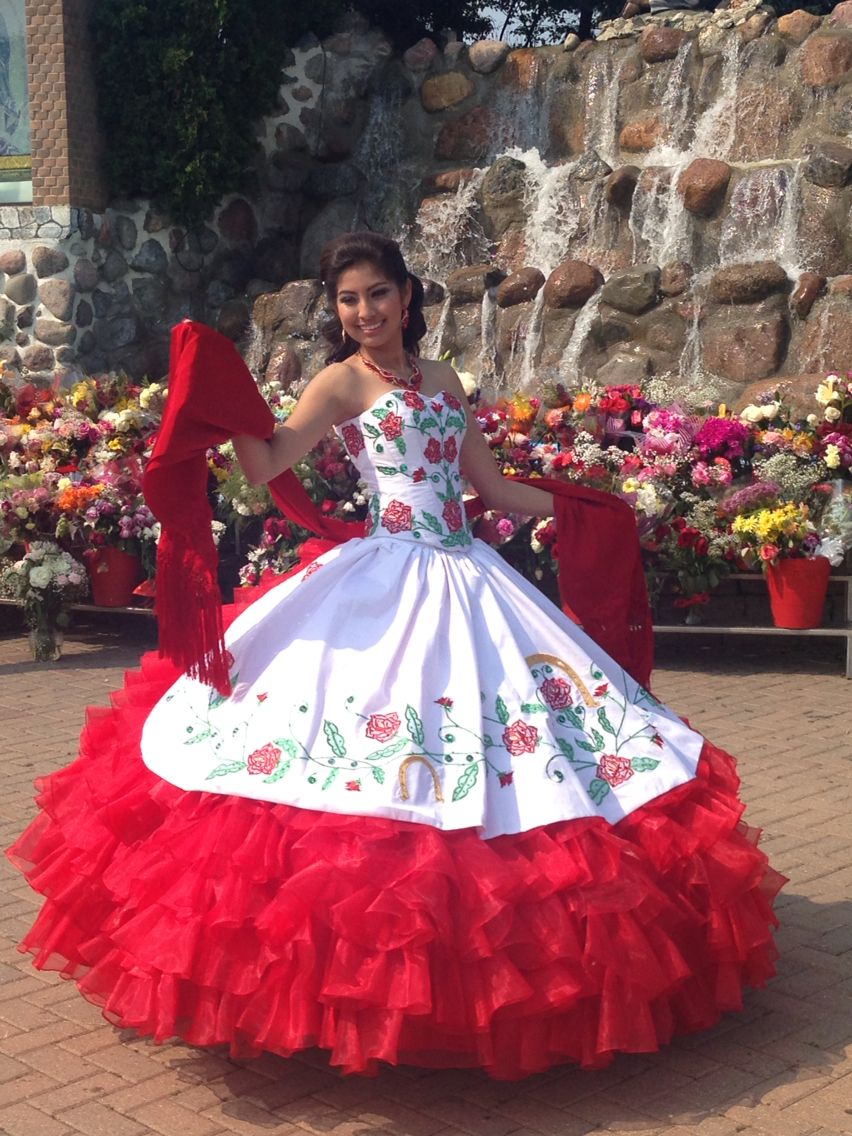 Model Yajaira Vera Quinceañera Dress Designer Go Medel From Pink Horses Photo By Room