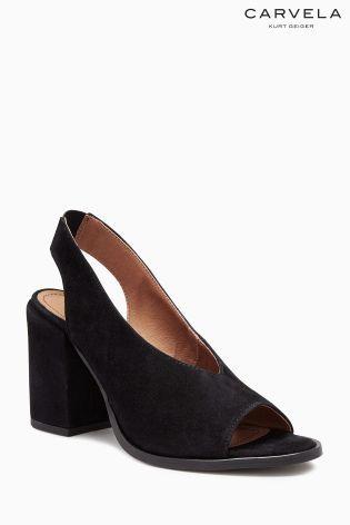 a23d3686bbc Černé boty Carvela Arlo s páskem přes patu na širokém podpatku ...