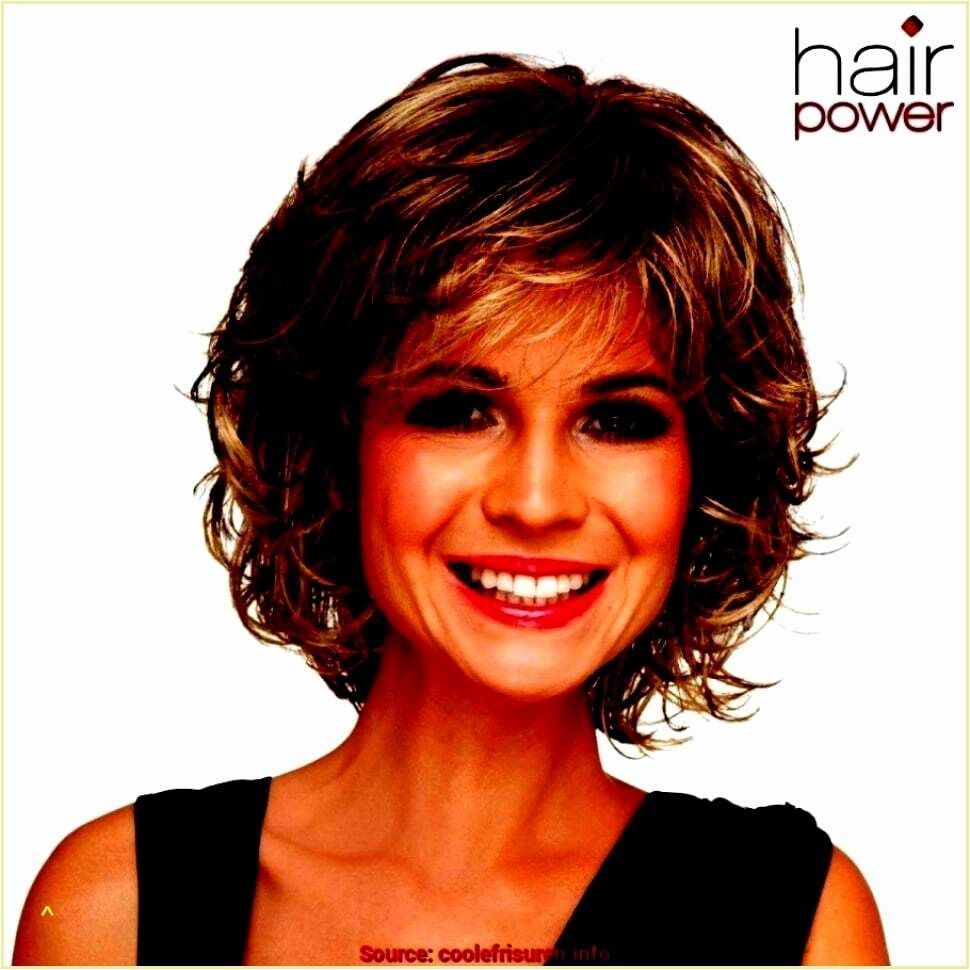 Frisuren Mittellang Stufig Fransig Lockig Frisuren Mittellang Stufig Fransi Frisuren Mitt In 2020 Medium Hair Styles Short Hair Designs Short Hair Styles
