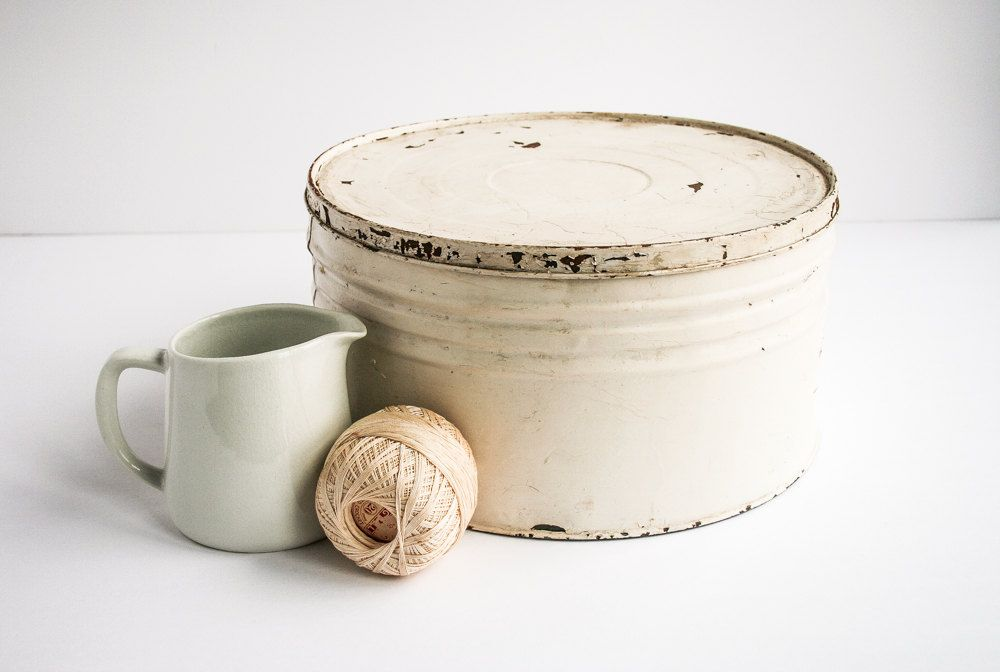 Large+Chippy+White+Pail+/+Box+/+Tin+/+Rustic+by+tawneyvintage,+$32.00