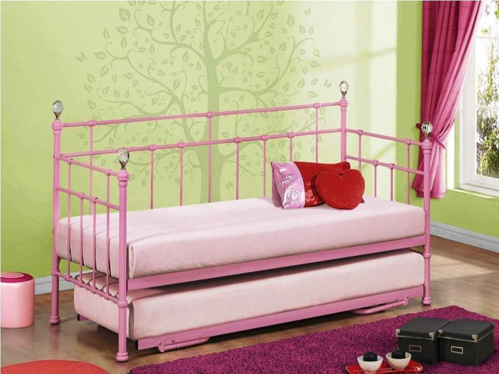 Girls Daybeds Daybeds For Girls With Images Daybed With
