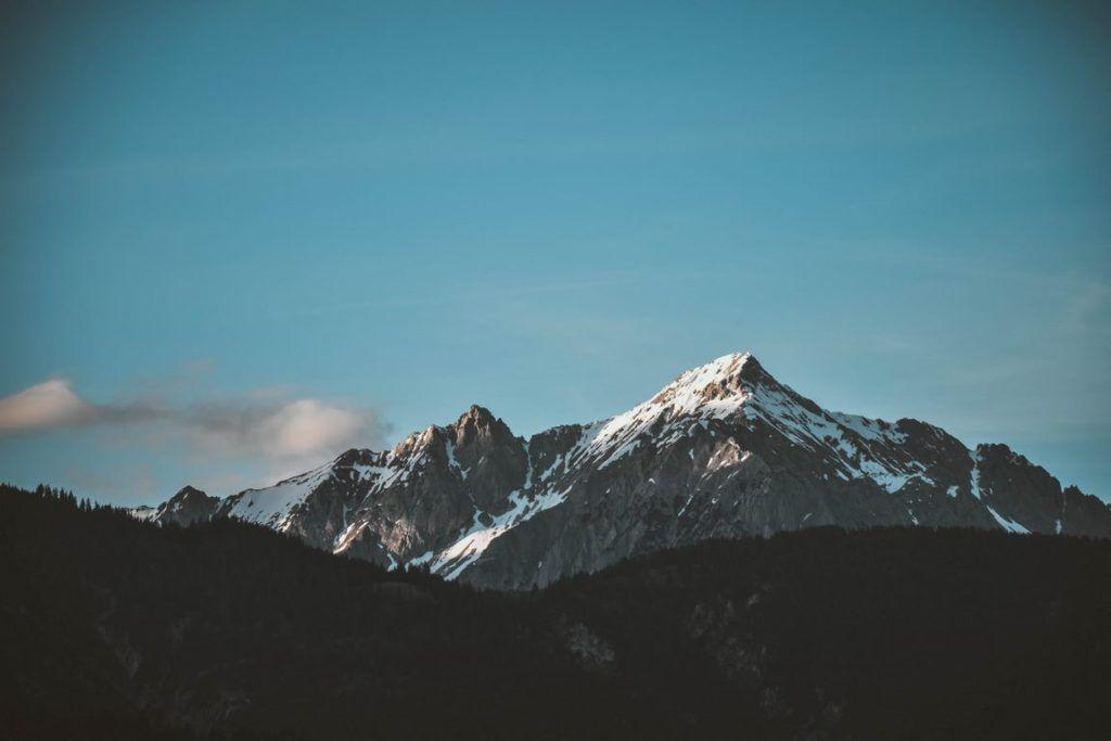 اجمل خلفيات شاشة للكمبيوتر واللاب توب بجودة عالية Hd Tecnologis Mountain Pictures Cool Pictures Of Nature Camping Experience