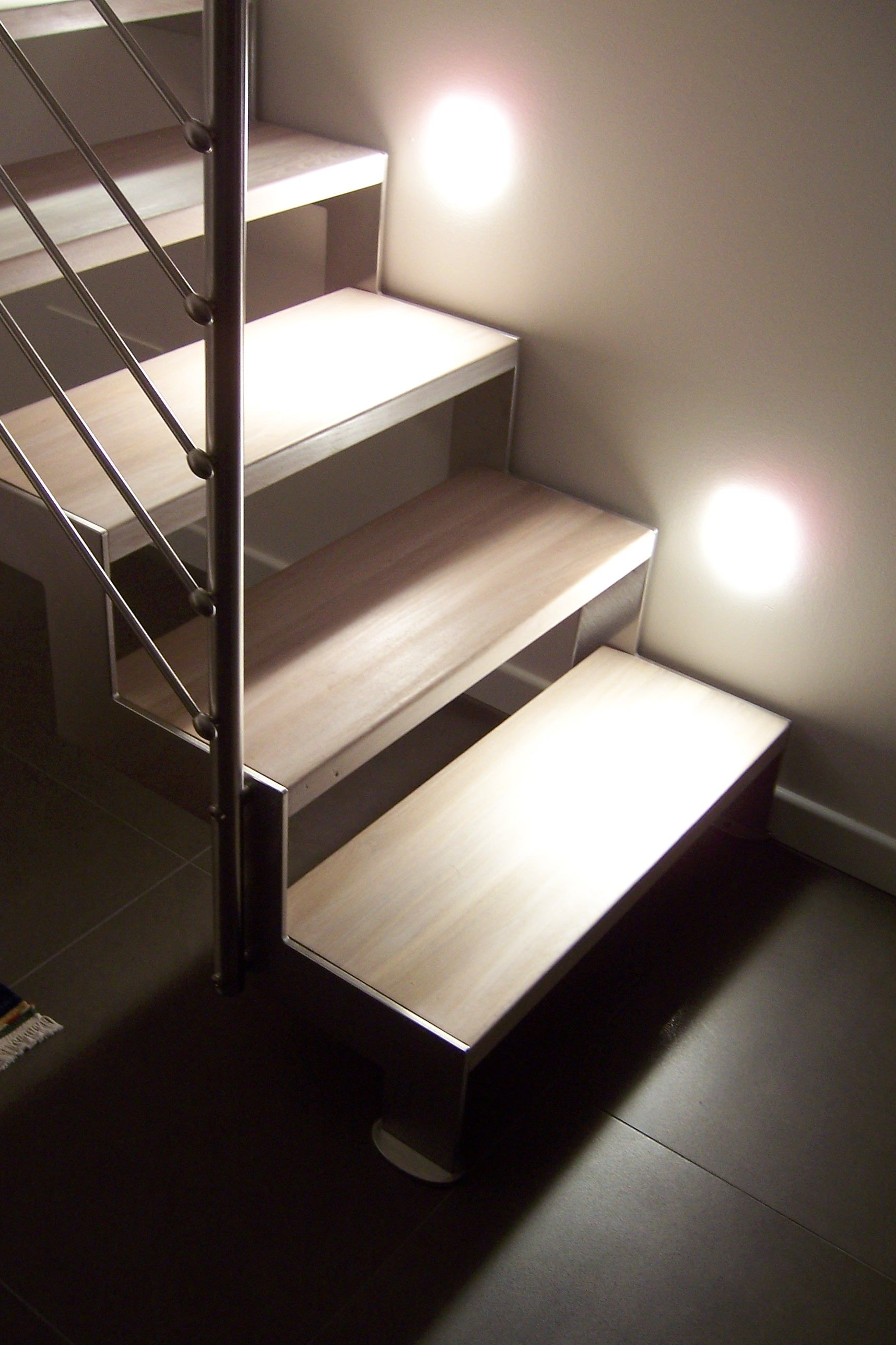 how to build a single stair