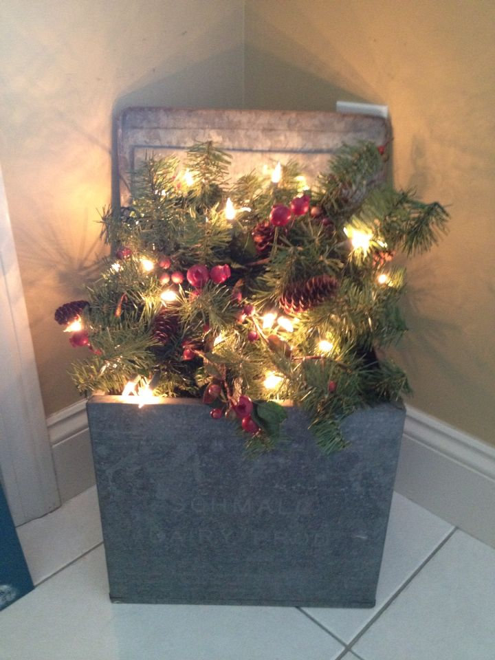 Old Fashioned Metal Milk Delivery Box Decorated For Xmas Planter Box Centerpiece Christmas Country Christmas Decorations Black Christmas Tree Decorations