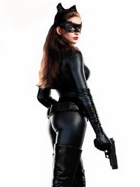 Женщина в латексном костюме издевается фото 167-811
