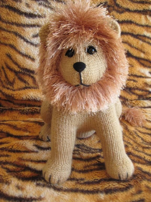 Roary the Lion by tigerlady | Knitting, Knitted toys, Pattern