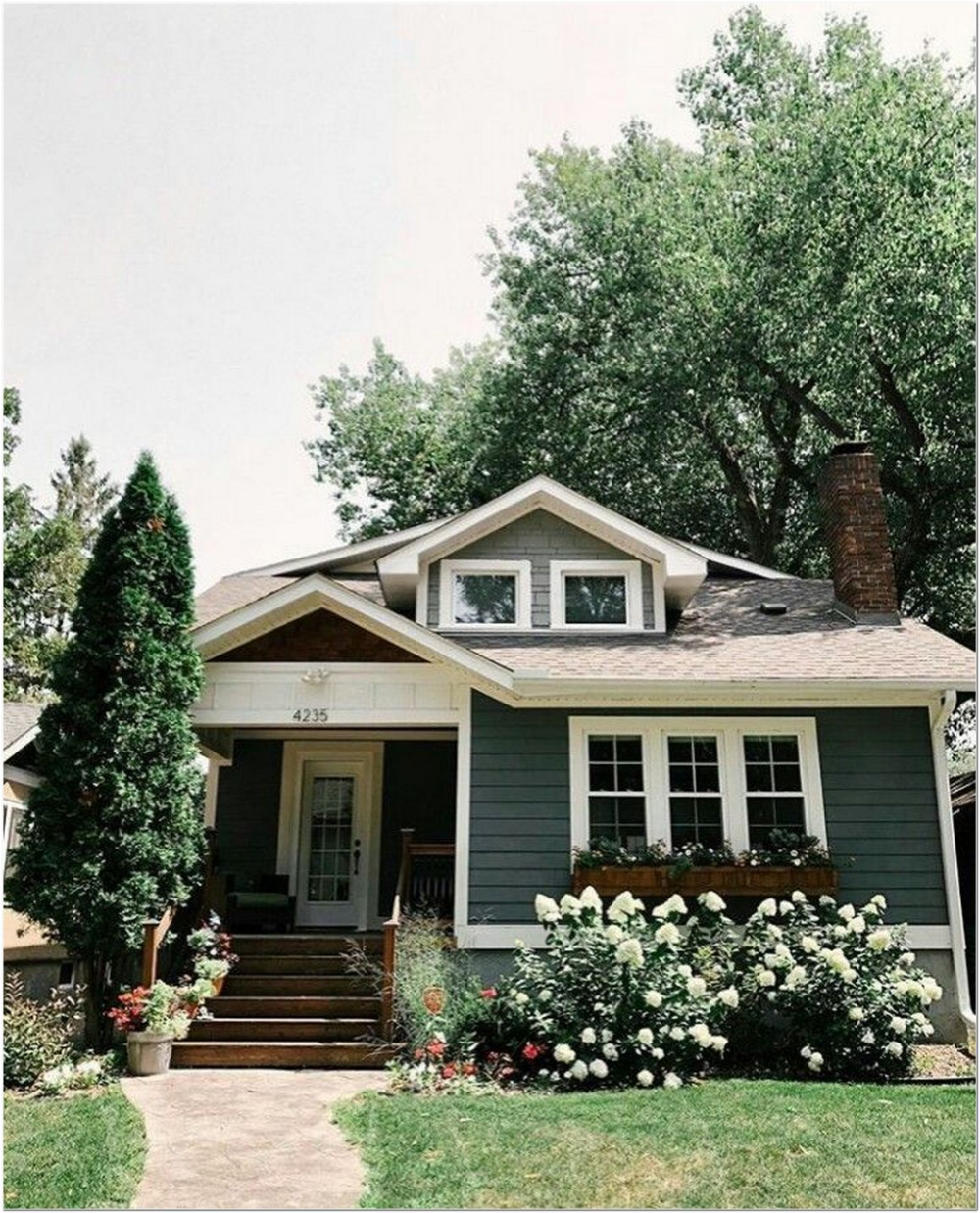 81 Beautiful Farmhouse Exterior Designs To Match In Any House Themes 21 In 2020 Tiny House Plans Small Cottages Best Tiny House House Exterior