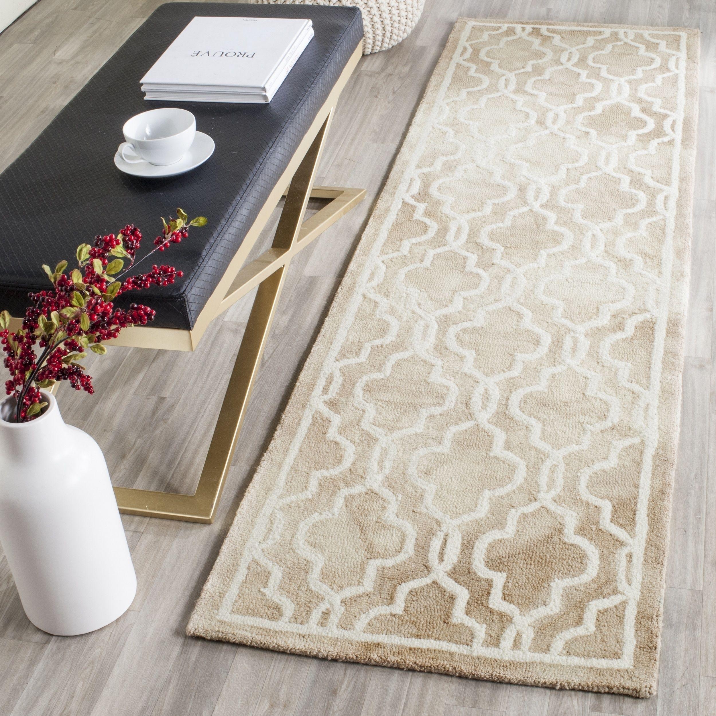 Safavieh handmade dip dye watercolor vintage beige ivory wool rug