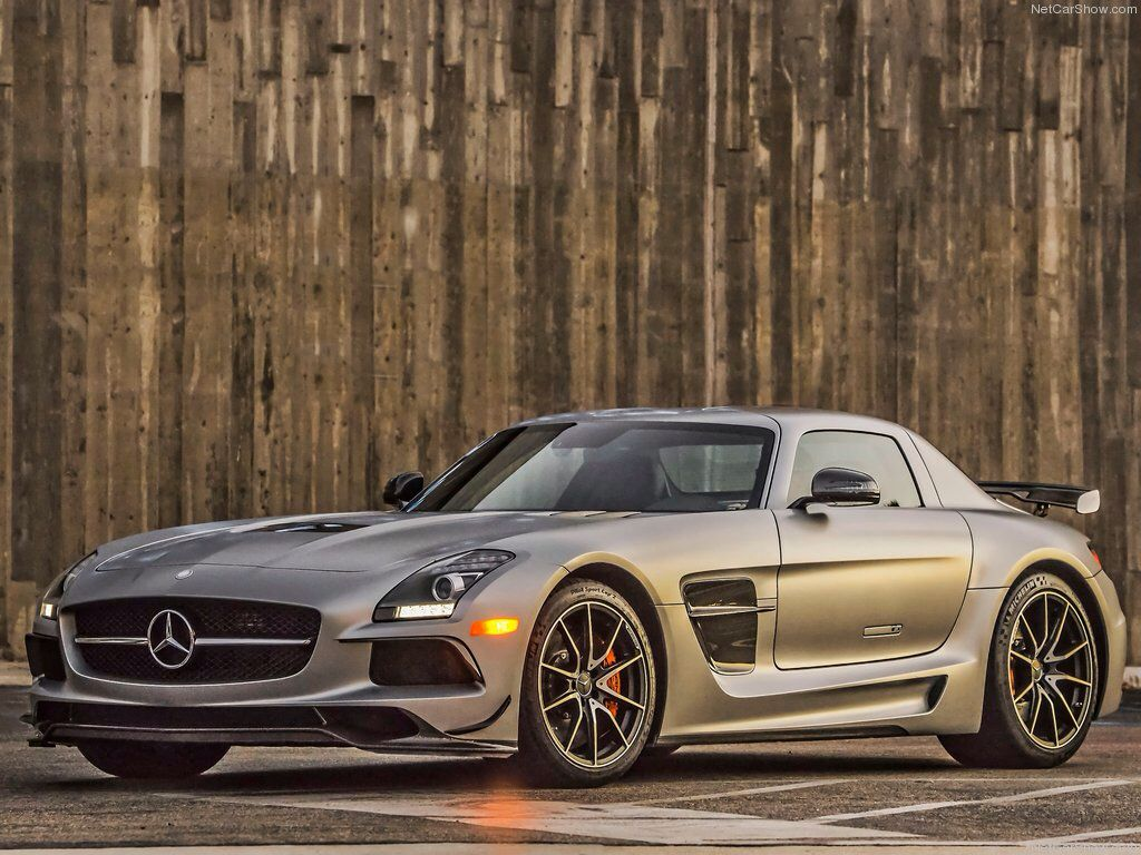 Mercedes SLS AMG Black Series Is Astonishing With Its Sharp Edges On An Otherwise Smooth Design