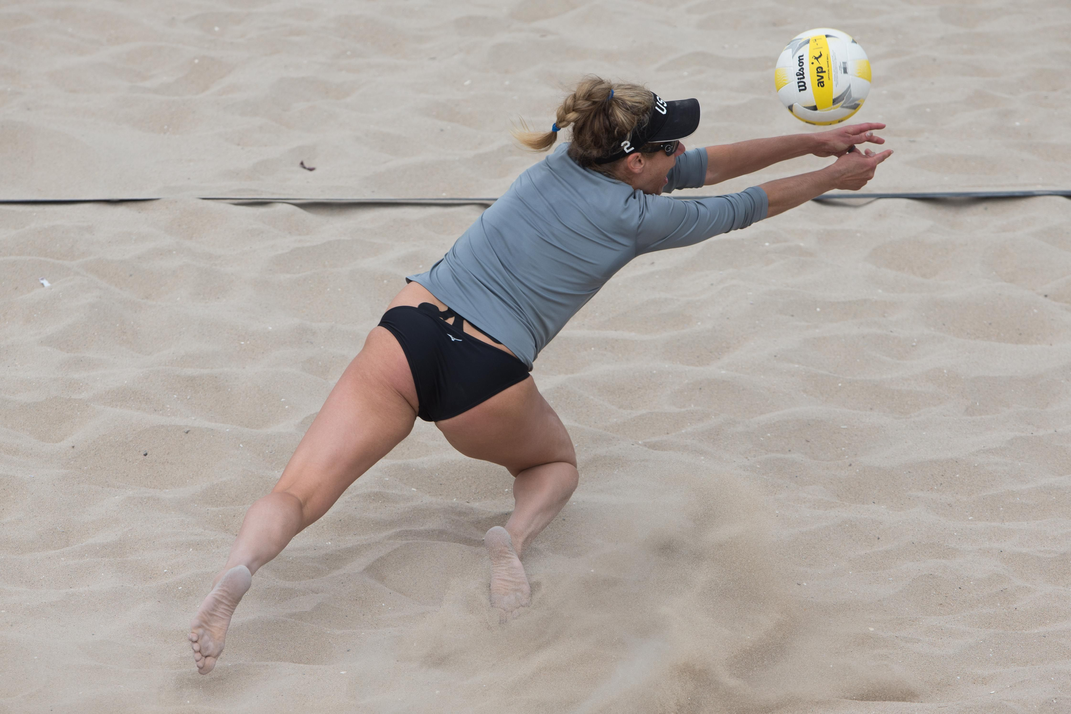 Avp Huntington Beach Open 2017 Photo Gallery Avp Beach Volleyball Beach Volleyball Women Volleyball Huntington Beach