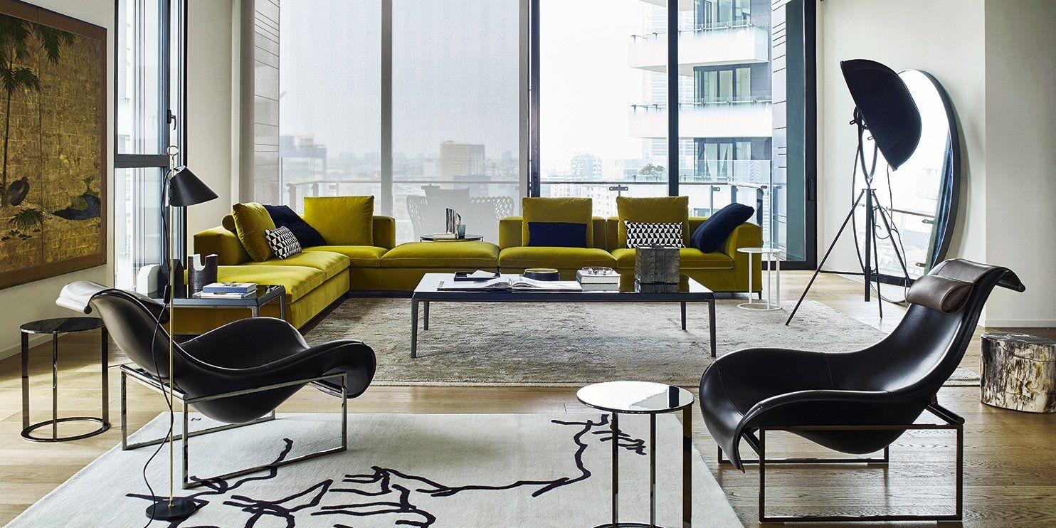 salon canapé jaune avec fauteuil tr¨s modernes et tapis noir et