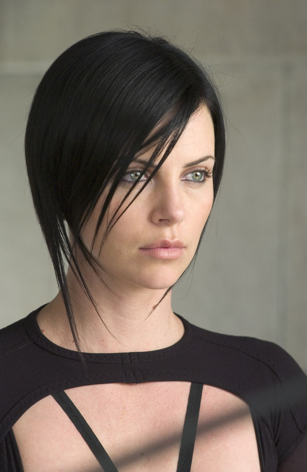 I Have Always Loved This Hairstyle That Charlize Theron Had In Aeon
