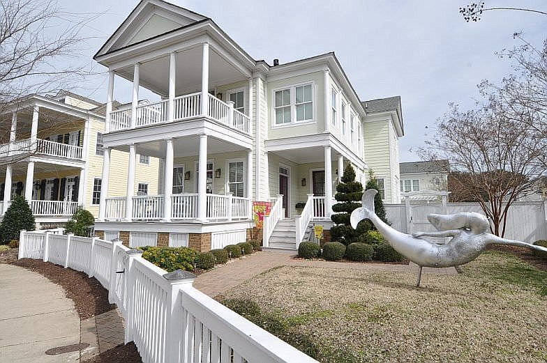 Zillow Has 790 Homes For Sale In Norfolk Va View Listing Photos Review Sales History And Use Our Detailed Real Estat Dream House Plans Zillow Fenced In Yard