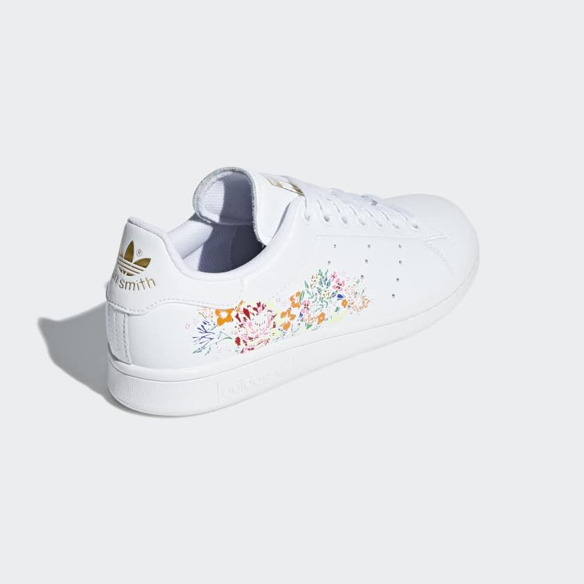 Adidas Originals Stan Smith W Baskets basses blanc pas cher prix Baskets Femme DEFSHOP 119.99 € TTC. Baskets Adidas Stan Smith W : Une Stan Smith