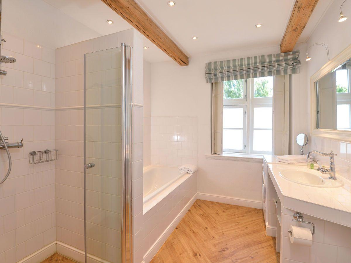 Bad mit begehbarer Dusche und Badewanne   Badewanne mit dusche ...