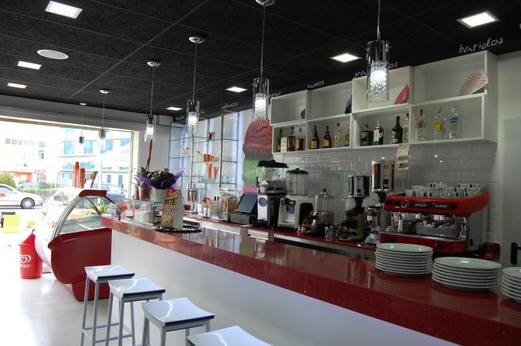 Helader a cafeter a tito helado ideas decoraci n for Decoracion cafeterias modernas