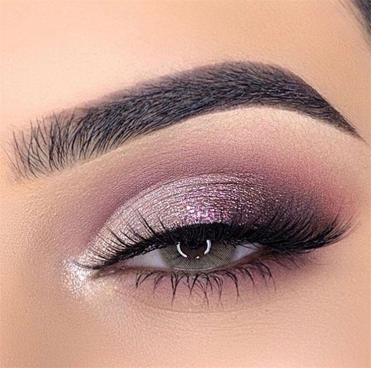 50 Holiday Eye Makeup Designs, um Ihnen einen besonderen Urlaub zu bereiten - Seite 15 von 50 #eyemakeup