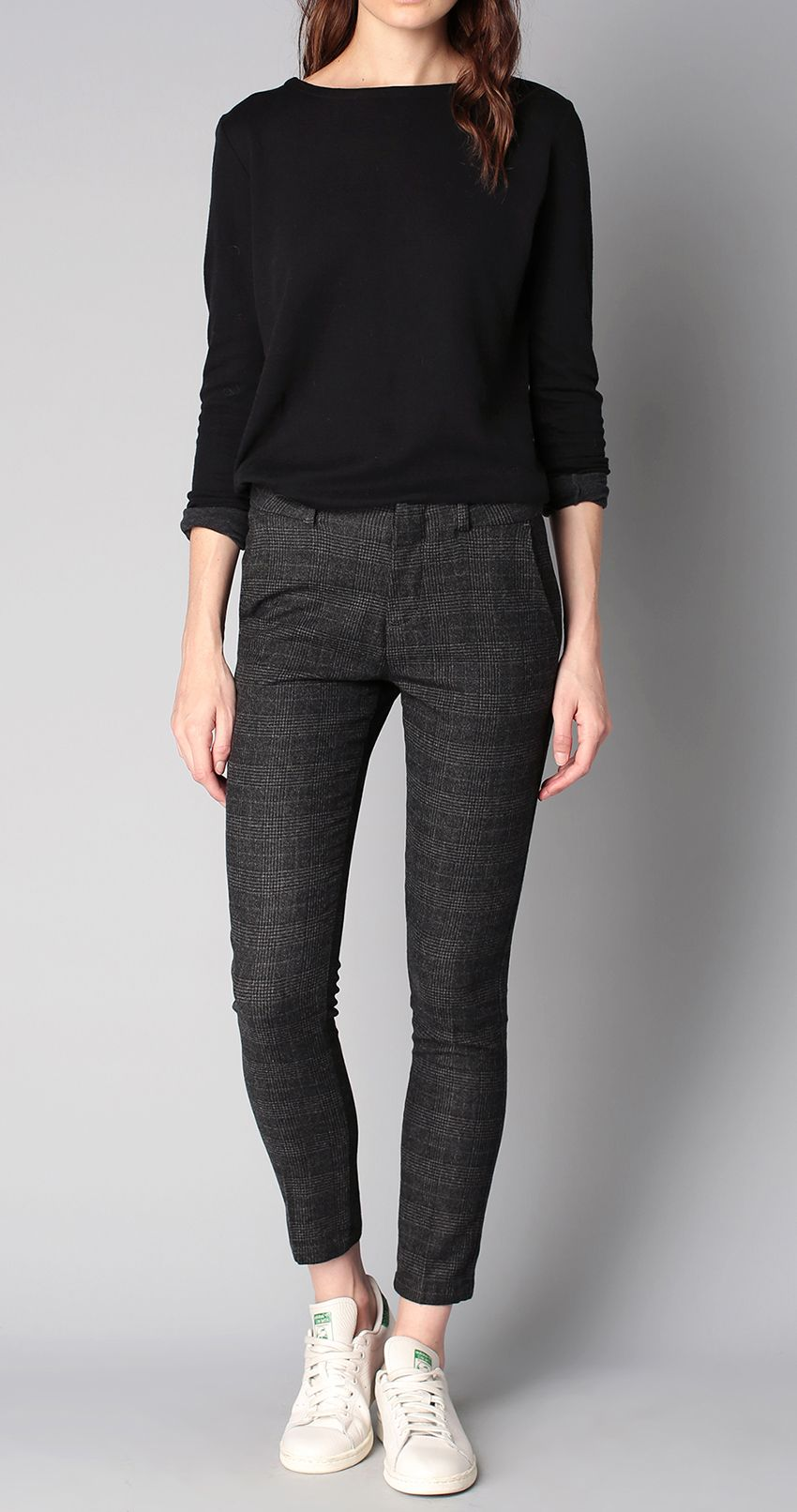 get the look pull noir pantalon tweed stan smith stan smith tweed and london fashion. Black Bedroom Furniture Sets. Home Design Ideas