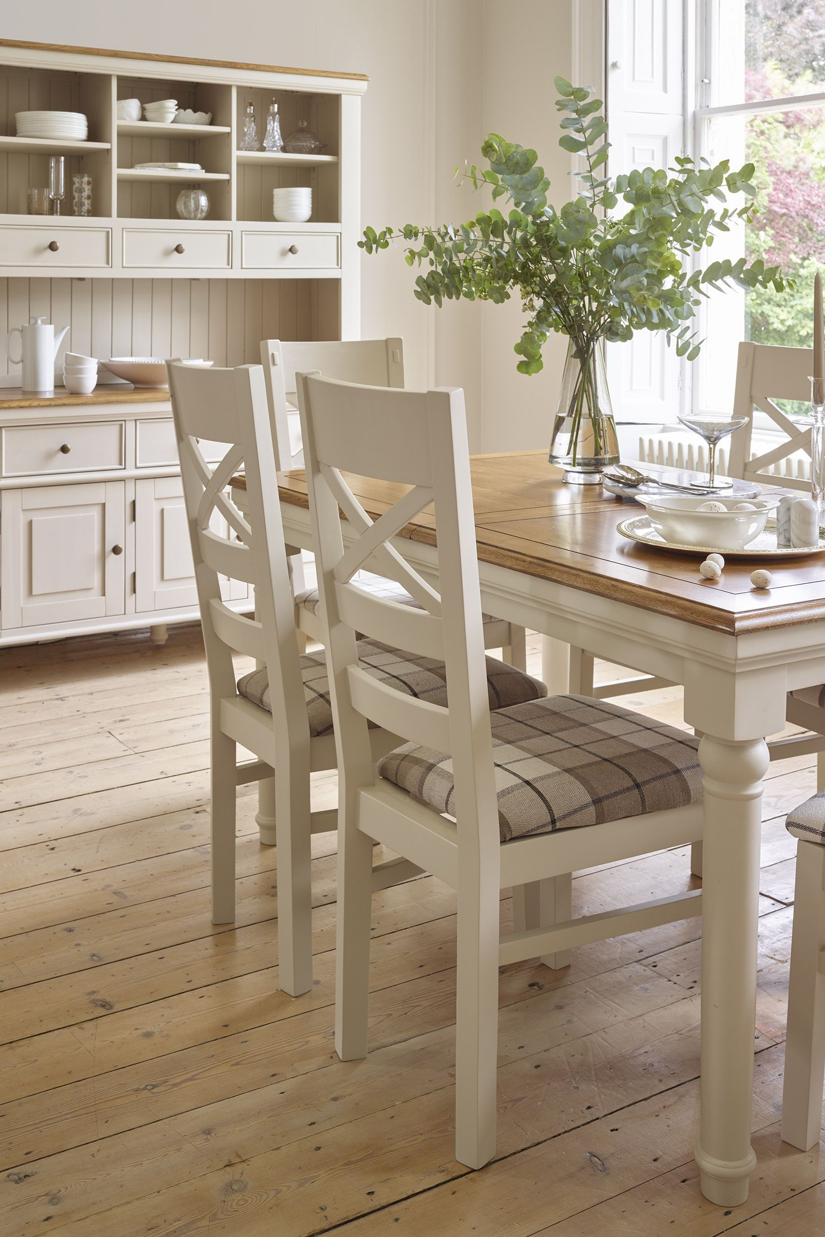 This Beautiful Extendable Dining Table Has All The Design Hallmarks Of Our Painted Shay Range As Well As Oak Dining Room Dining Table Gold Oak Furniture Land
