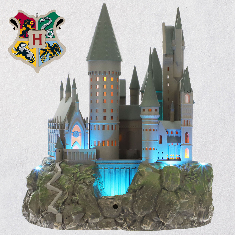 Harry Potter Collection Hogwarts Castle Musical Tree Topper With Light In 2020 Hogwarts Christmas Harry Potter Christmas Hogwarts Castle
