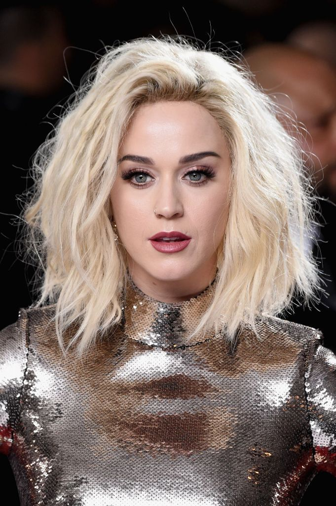The 2017 Grammy Awards Hair And Nails Frisuren Katy Perry