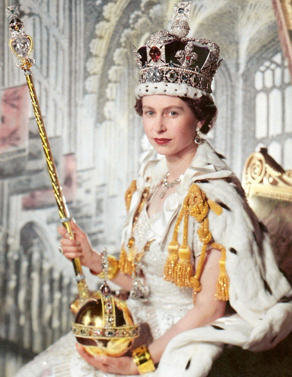 How the Queen's brooches and earrings have a glittering