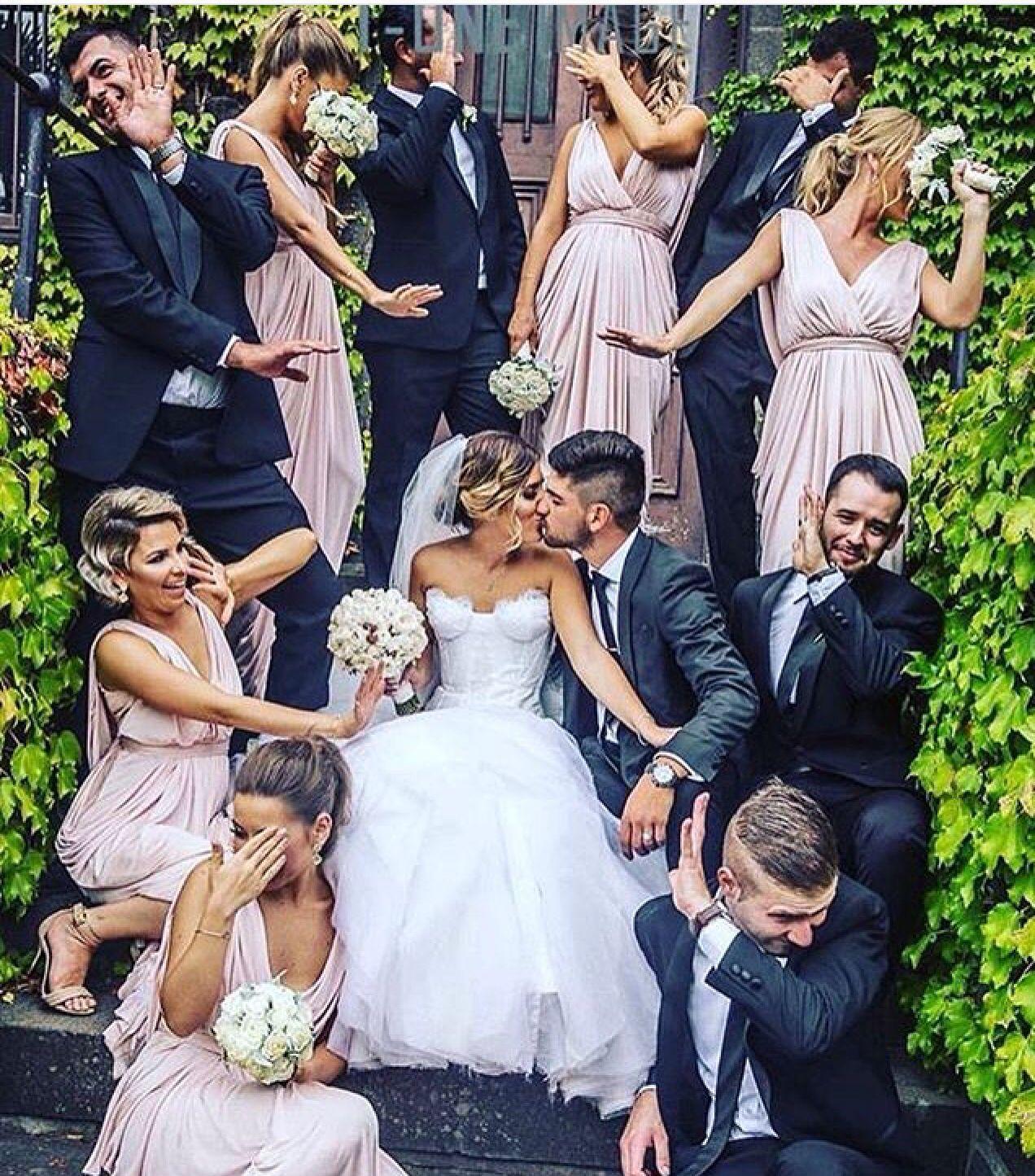 fun wedding photo idea fotoideen pinterest hochzeitsfotos hochzeitsfoto idee und. Black Bedroom Furniture Sets. Home Design Ideas