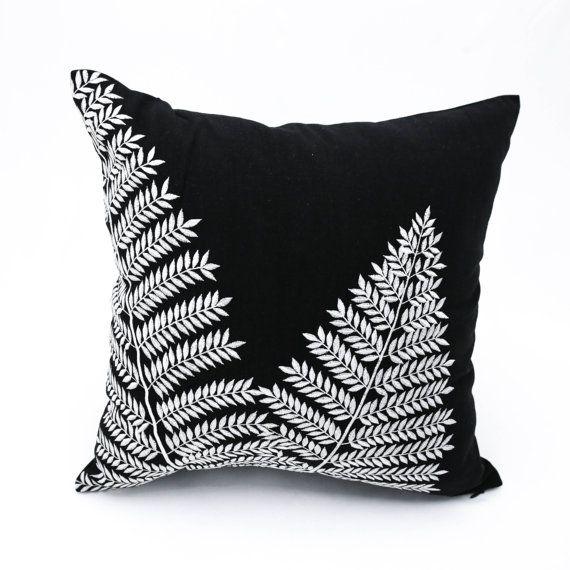 Moderne Kissenbezüge black white pillow cover fern throw pillow cover black linen