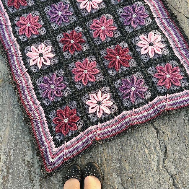 Ravelry: Autumn Aster Blanket pattern by Erika Strande   Gehaakte ...