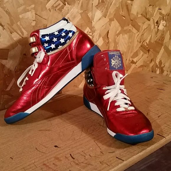 LIKE NEW Wonder Woman Collector s Reeboks These are the coolest shoes I  have ever laid eyes 44777c2e8