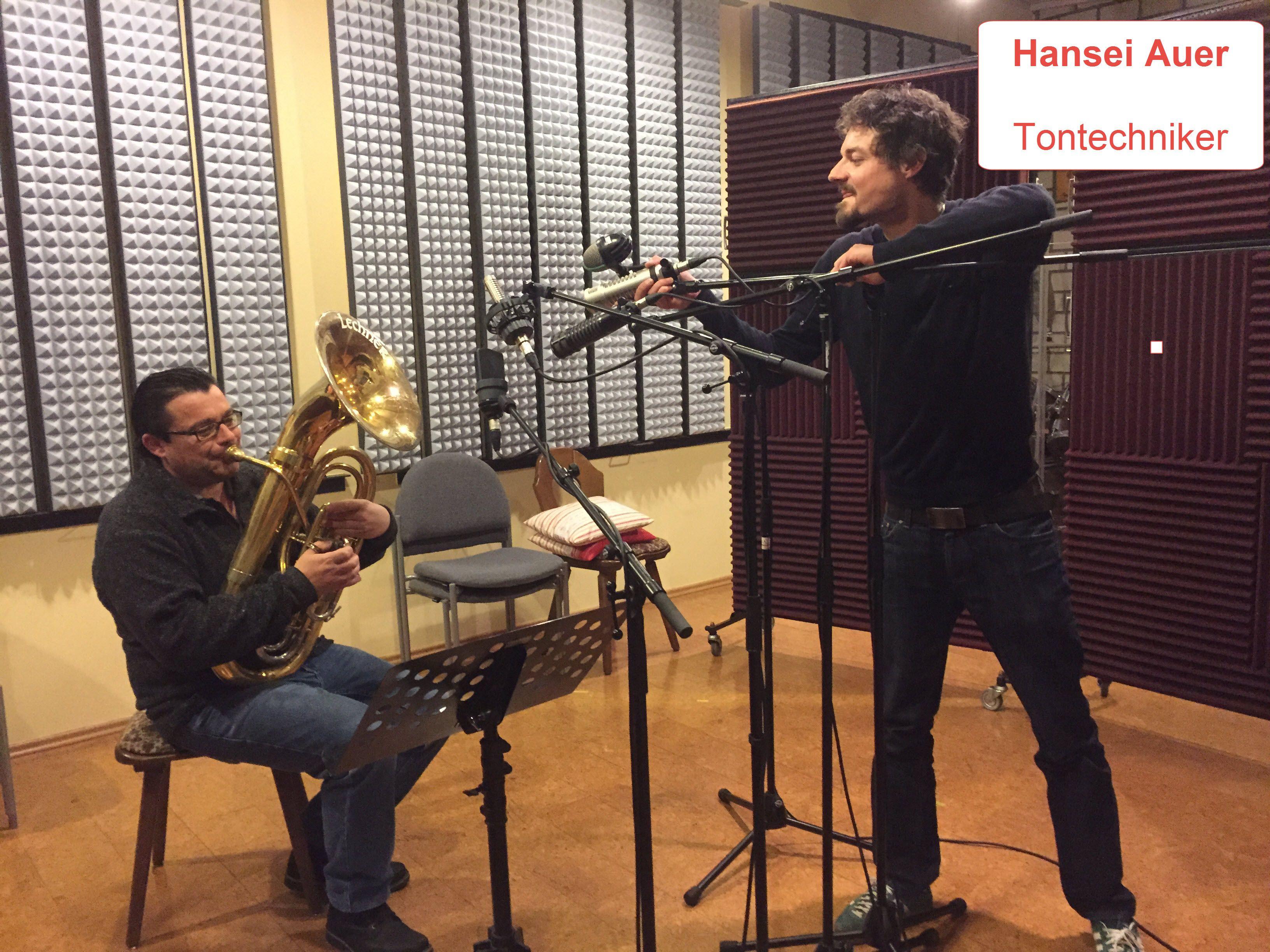 Hansei Auer Tontechniker und Musiker Sigi Posch Bariton