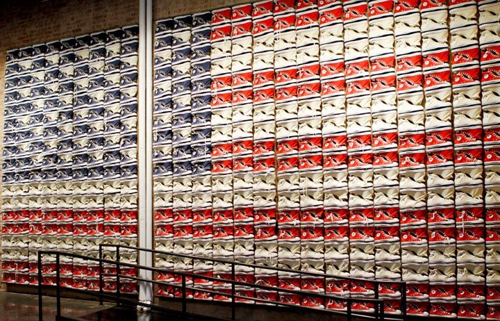 fascismo Articulación conducir  Converse flagship store in New York truly represents america with it  Converse All Star American Flag