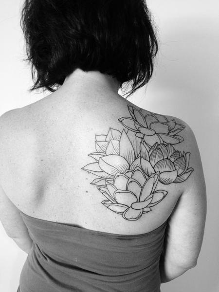 tatouage par 2 spirit tattoo tatoo pinterest tatouage paule tatouages et tattoo epaule. Black Bedroom Furniture Sets. Home Design Ideas