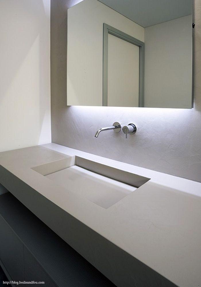 BODIE and FOU Style Blog, 5 Sleek, modern Bathrooms  Mirrors http