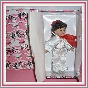 2001 Vogue Ginny Doll - TEEN IDOL - NRFB - Tied In http://www.dollshopsunited.com/stores/dolllighted/items/1300880/2001-Vogue-Ginny-Doll-TEEN-IDOL-NRFB-Tied-In-Hair-Net #dollshopsunited
