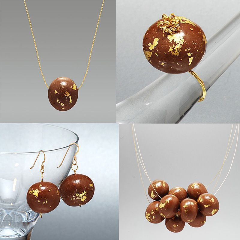Chocolate On A Chain Edible Jewelry By Wendy Mahr Candy Jewelry Food Jewelry Chocolate