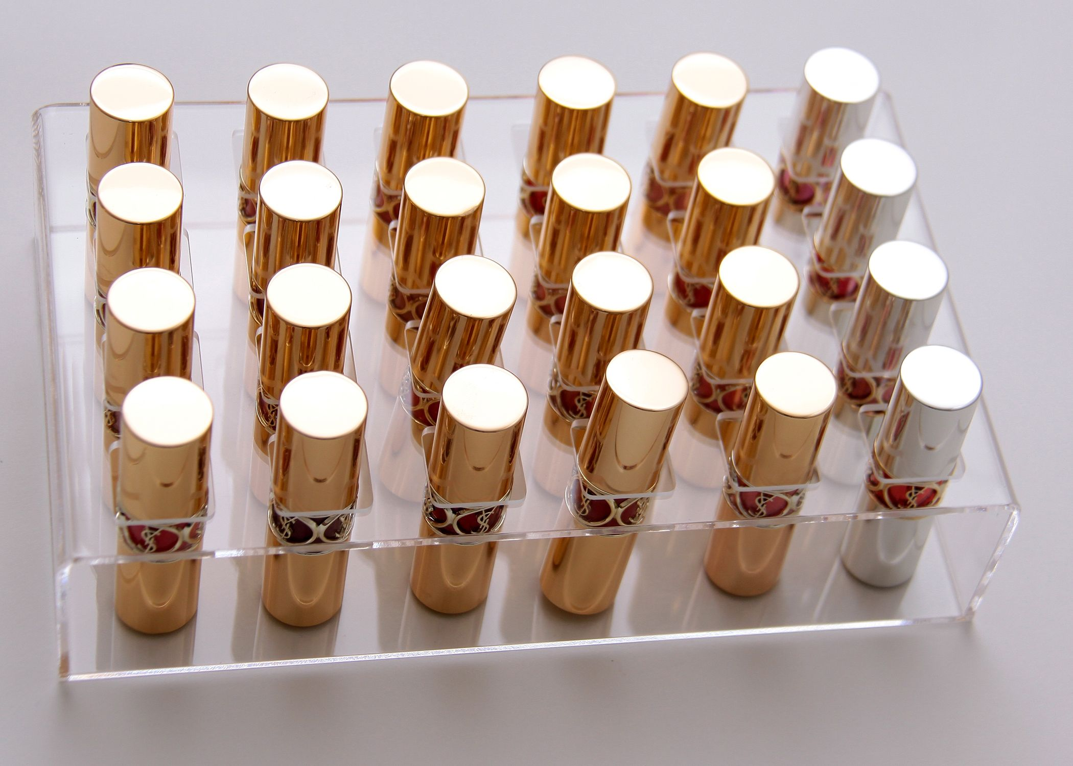Cosmo Cube Lipstick Holder......(of course to go with